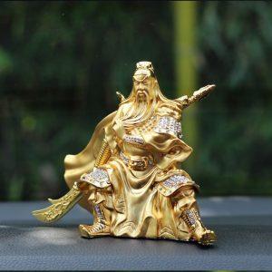 Tượng quan công mạ vàng