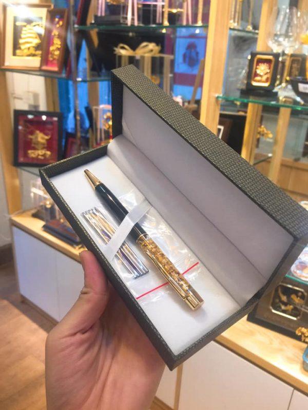 Bút Bi Vàng Lá
