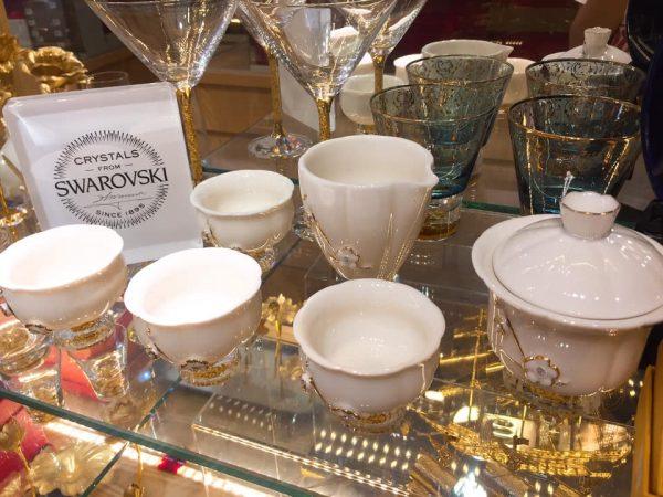 Bộ trà pha lê Swarovski sứ đúc vàng