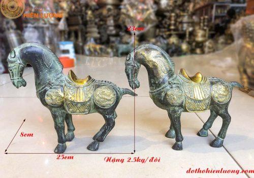 Đôi ngựa thờ bằng đồng