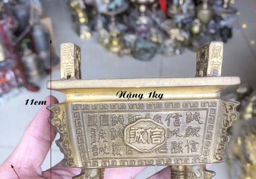 Bát hương vuông để bàn thờ thần tài